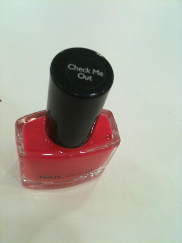 check me out_nail polish